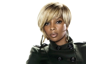 Classic Mary J--fantastically done blonde!